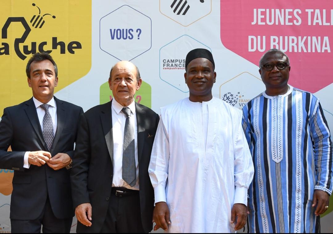 """Visite de Macron à Ouagadougou: """"Deux initiatives dédiées à la jeunesse burkinabè apparaissent aujourd'hui originales et emblématiques"""" (Xavier Lapeyre De Cabane)"""