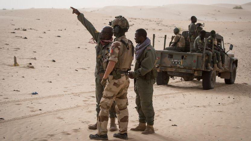 Mali: le groupe jihadiste GSIM revendique la mort de 80 militaires,76 fusils Kalachnikov et deux mortiers emportés dans la double attaque