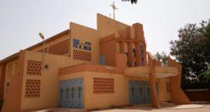 Eglise Notre Dame des Apôtres de la Patte d'Oie,Libreinfo.net