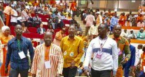 Simon Compaoré suivi d'Alassane Bala Sakande au congrès du Mpp au palais des sports de Ouaga 2000,le 7 mars 2020