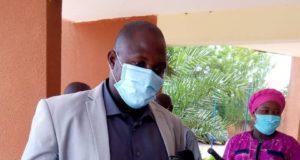 Pascal Compaoré, maire de la commune de Ziniaré, entouré de quelques membres de la cellule de riposte, se dit satisfait de l'état de santé des personnes guéries de la Covid-19