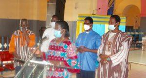 L'Ex ministre de la femme Nestorine Sangare et des leaders religieux et coutumiers