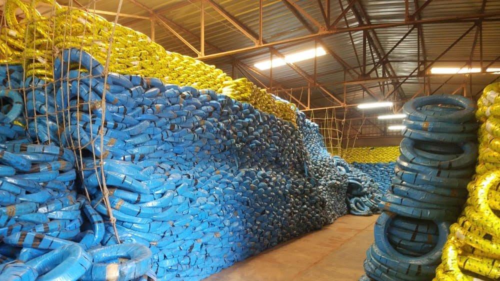 Une vue des pneus SAP Olympic dans le magasin,Ph. Abdoul Karim Sanon Libreinfo.net