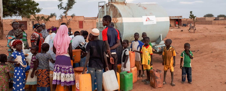 Médecins sans frontière: 49 831 000 millions de litres d'eau distribués et 139 interventions chirurgicales gratuites réalisées en six mois
