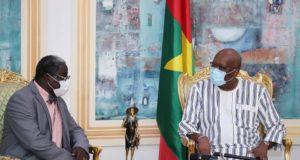 Le Président du Faso reçoit le Pr Frédéric Ouattara