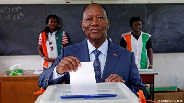 Le président Alassane Dramane Ouattara de la Côte d'Ivoire réélu