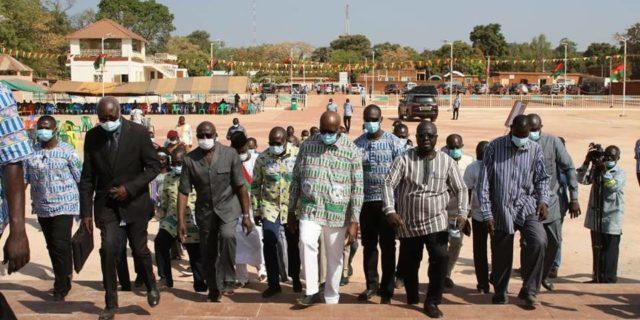 Le Président du Faso visitant la place de la Nation à Banfora