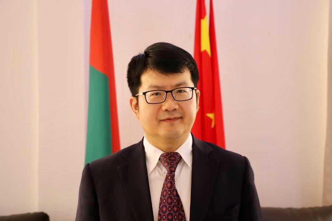 [Interview]« le gouvernement chinois a décidé de fournir au Burkina Faso 400 000 doses de vaccin inactivé et les seringues assorties» Ambassadeur Li Jian